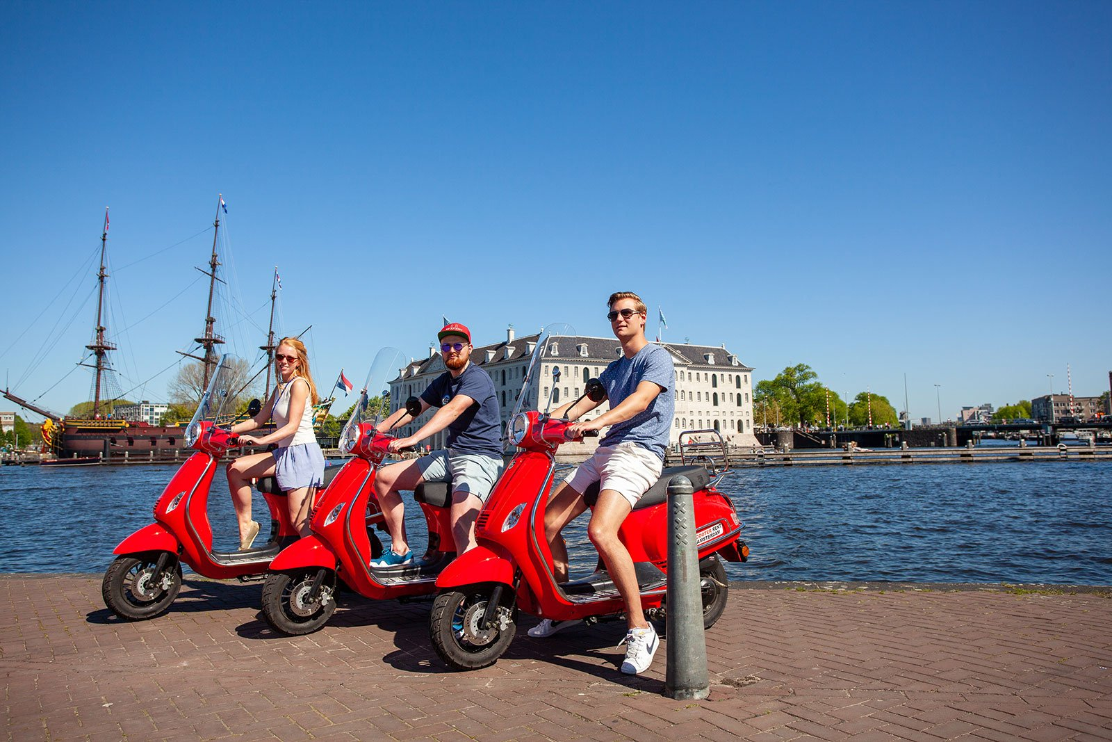 Super Scooter Rent Amsterdam - Huur een scooter in Amsterdam UH-28
